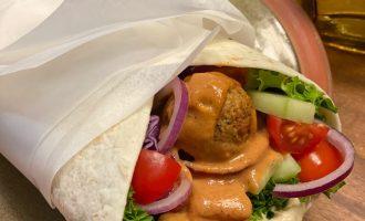 vegan oriental street food_falafelwrap